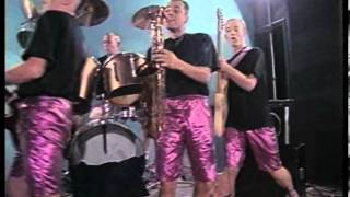 Highliners - Henry The Wasp - (Official Video, 1988)