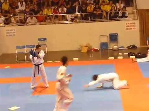 Taekwondo show (Anh đai trắng quá bá đạo)