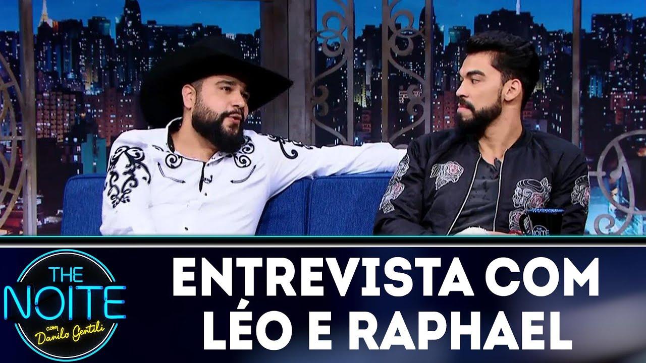 Entrevista com Léo e Raphael | The Noite (08/05/18)