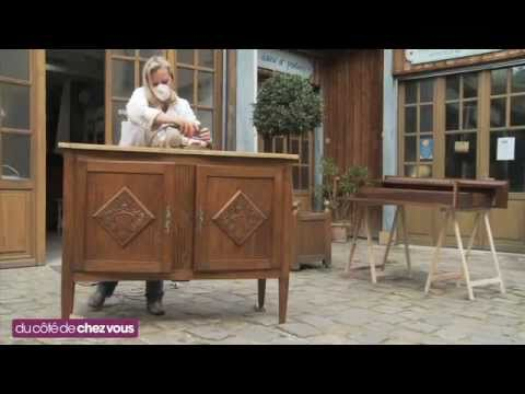 Relooking en couleur d 39 un buffet 2 corps youtube for Meuble breton ancien