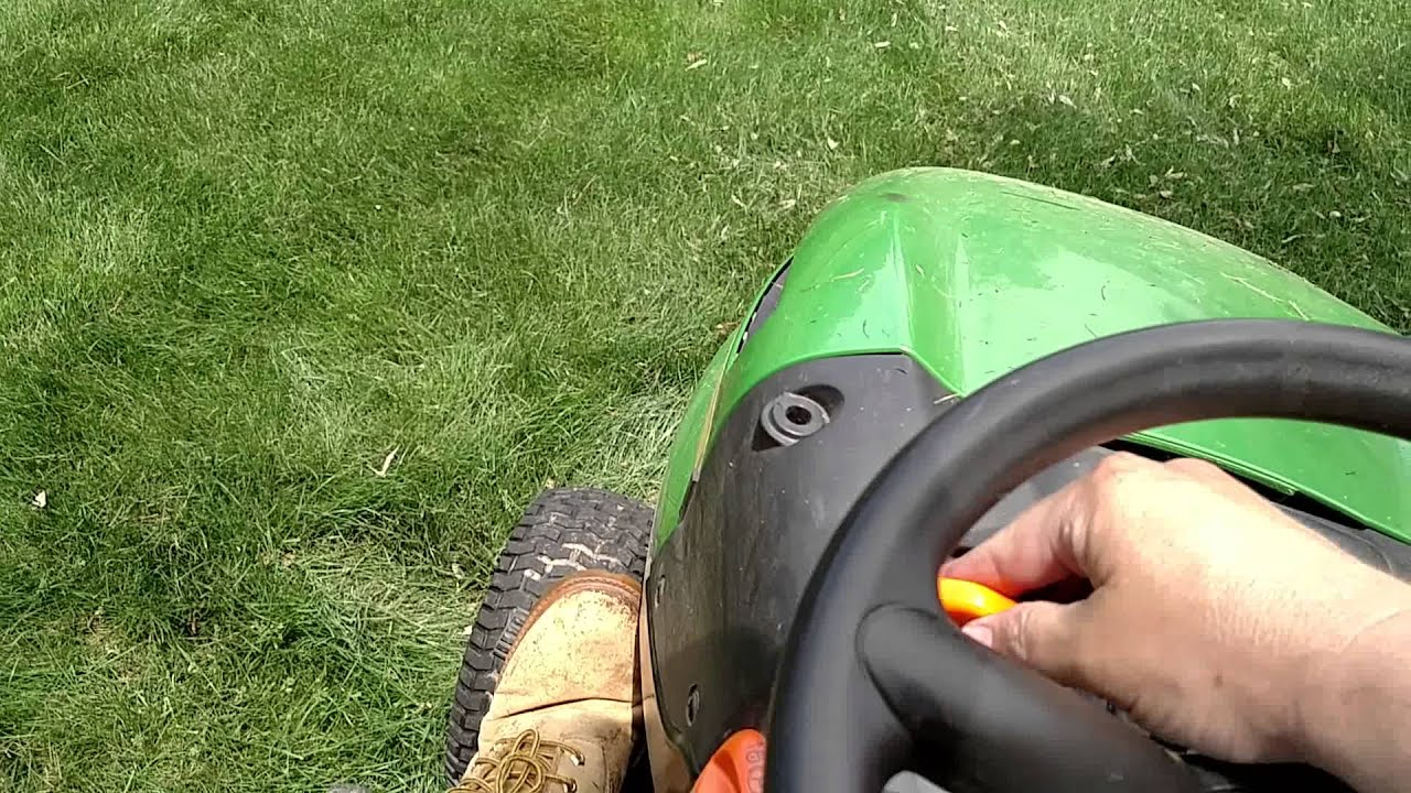 John Deere vs Husqvarna riding mower