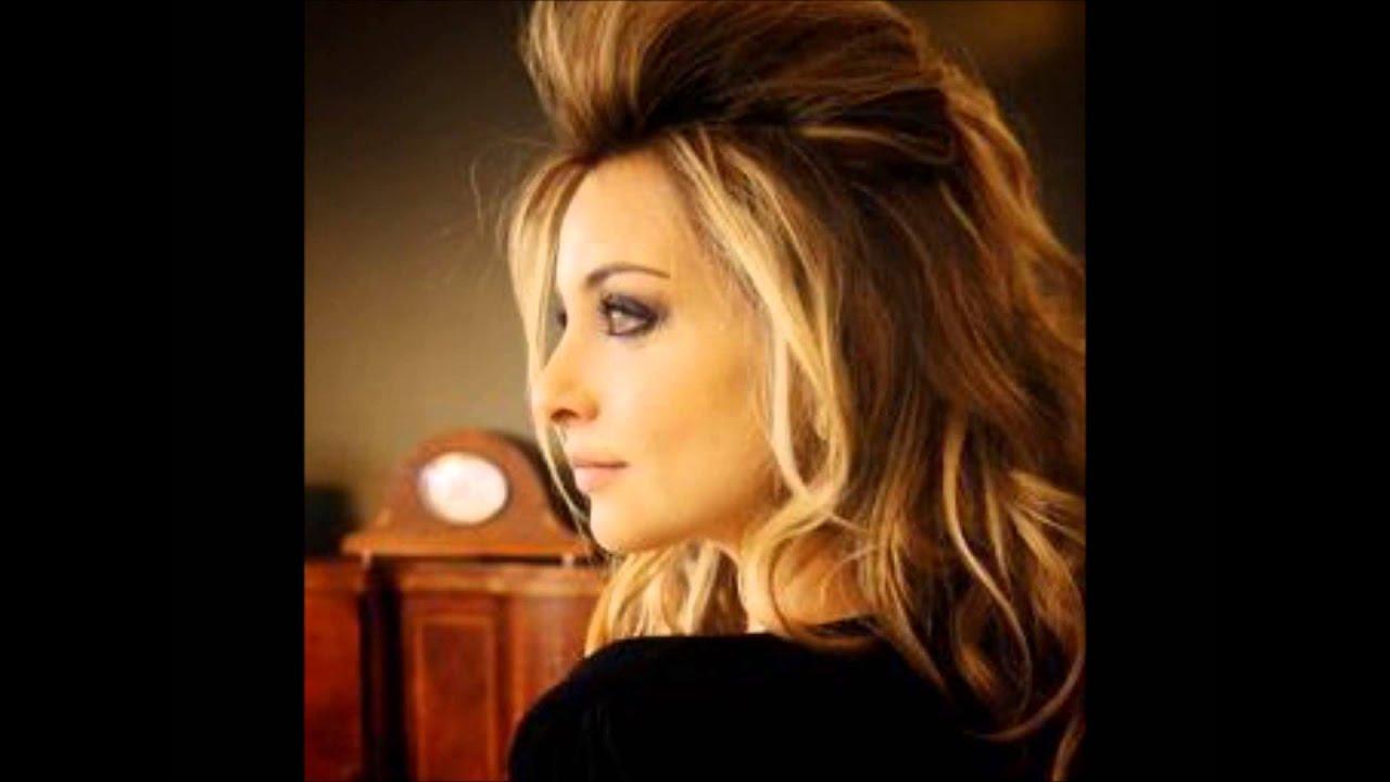 """Priscilla Betti Musique Vidéo De """" Chante """" !"""