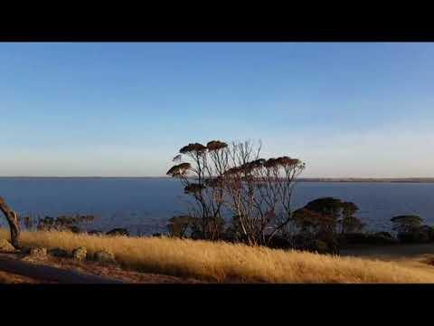 Trailer - Lake Dumbleyung Full To The Brim - Pussy Cat Hill - Dumbleyung - Western Australia