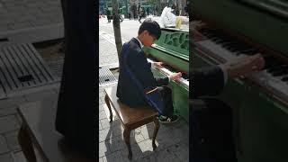 신촌 피아노에서 한 중학생-La campanella