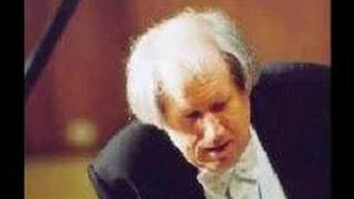 Grigory Sokolov plays Chopin Sonata #2, B-flat minor, Op. 35 (1/3)