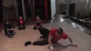 Уроки брэйк-данса часть 1 ( кручение на спине, промокашка, гелик )