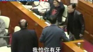 詹培忠黃毓民立會席上吵架