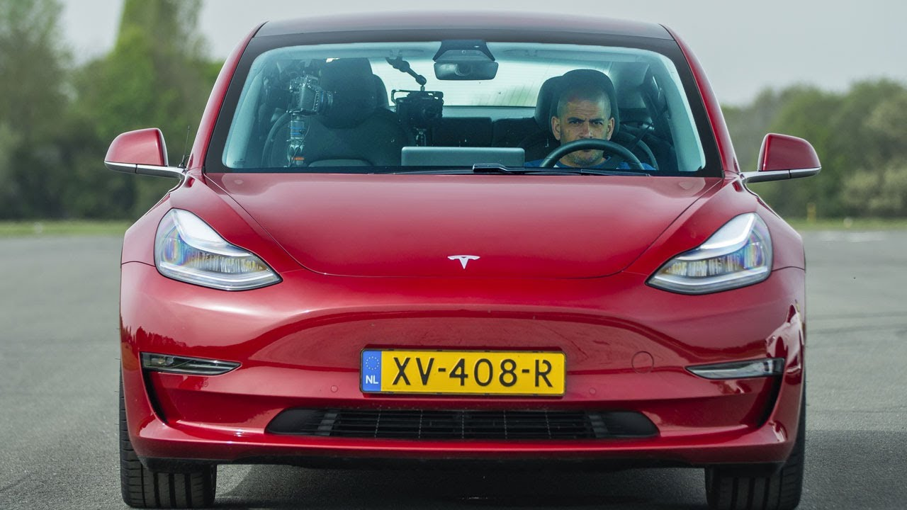 EXCLUSIVE: Tesla Model 3 vs Merc-AMG C63 S, BMW M3 & Alfa Giulia QV Drag Race | Top Gear: Series 27