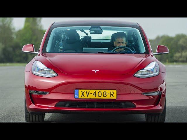 EXCLUSIVE: Tesla Model 3 vs Merc-AMG C63 S, BMW M3 & Alfa Giulia QV Drag Race   Top Gear: Series 27