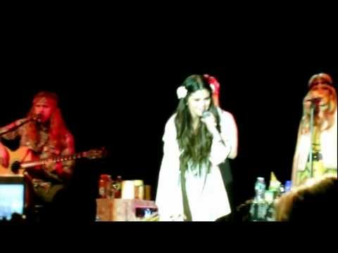 "Selena Gomez & The Scene - ""Love You Like A Love Song"""