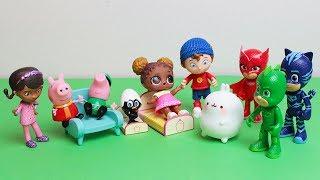 La Dottoressa Peluche cura gli amici dei Pj Masks Super Pigiamini [Storie con i giocattoli]
