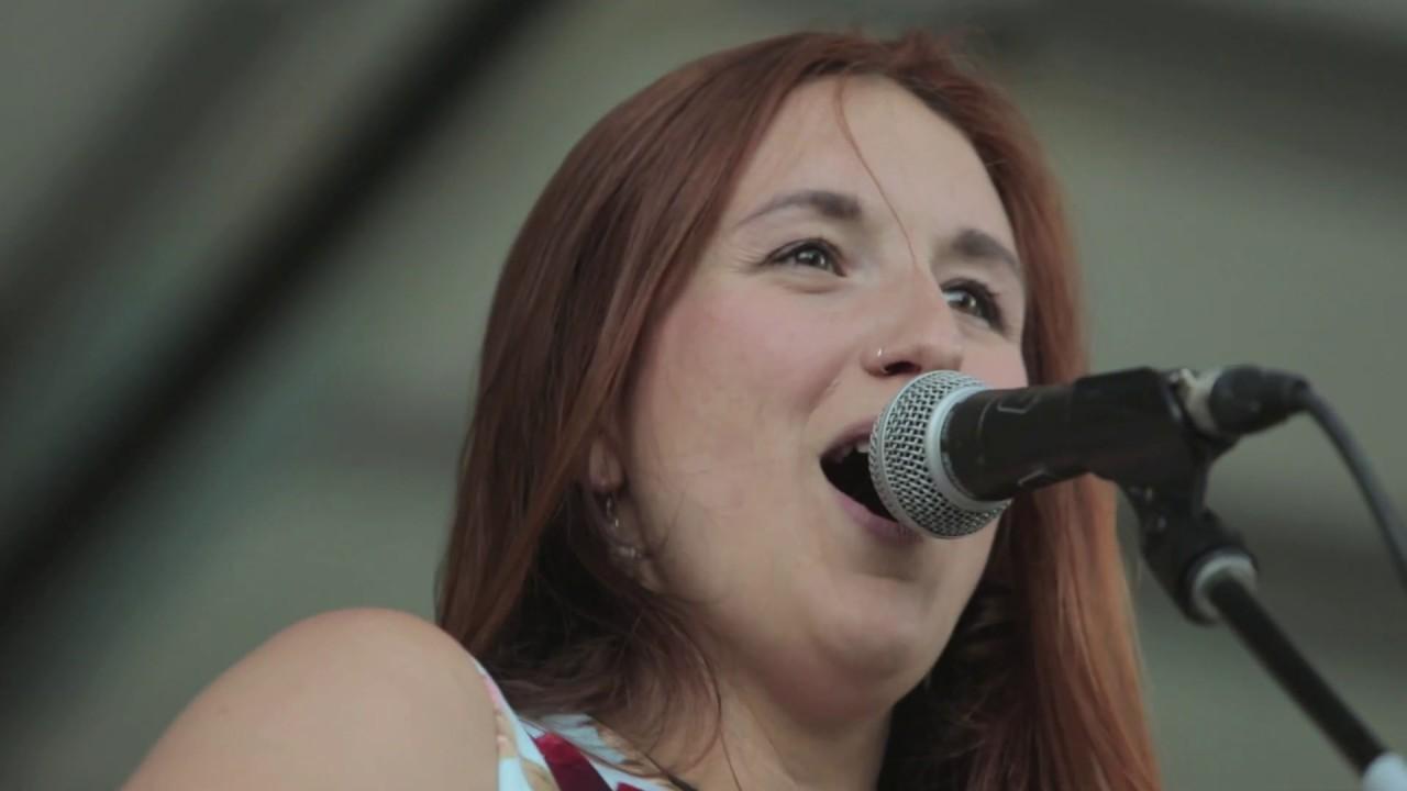Marie-Ève Laure - Mon monde à moi (clip officiel)