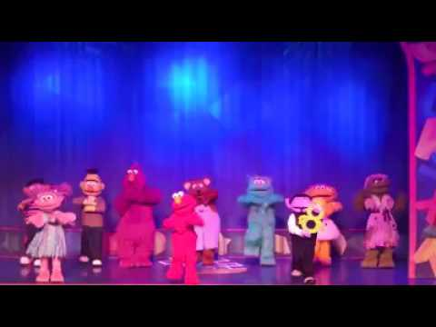Sesame Street Live : Elmo Makes Music  -  ( UK Tour) Dance To The Music