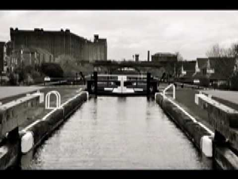 Leeds Liverpool Canal Trip.mov