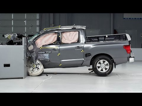 2017 Nissan Titan Crew Cab Driver-side Small Overlap IIHS Crash Test