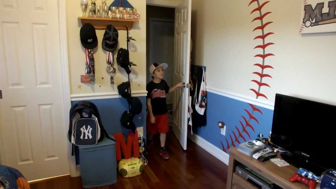 Toddler Boys Baseball Bedroom Ideas round321 | baseball decal installation - baseball theme bedroom