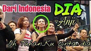 Download lagu 3 GADIS MANIS dari Pontianak Indonesia asikk ikut Bob menyanyi seram bukan nama tempatnya