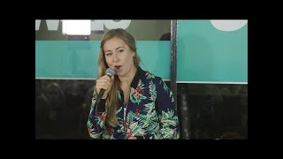 NightWash TalentAward 2016 – Englisch lernen mit Lena Kupke