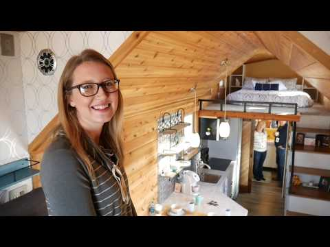 First Grade School Teacher turns to Tiny House Living