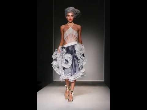Lisa Kensington Wright ELLE4LISA london fashion week FASHION SHOW womenswear couture ready to wear