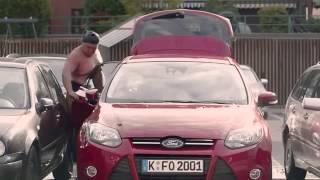 Борцы сумо в рекламе Ford   Door Edge Protect