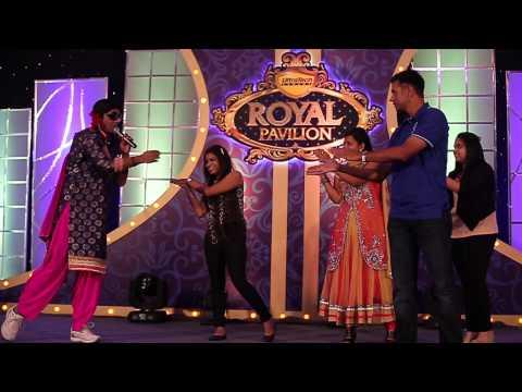 Rahul Dravid does Gidda with Gutthi
