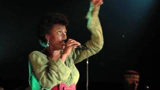 Sandra Nkake Live / Higher
