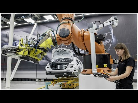 Mercedes Benz Industrie 4.0 - Digitalisation of the Automotive Industry