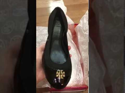 b0c547b5f6a5 Toryburchflat Tory burch black Jolie ballet flats review - YouTube
