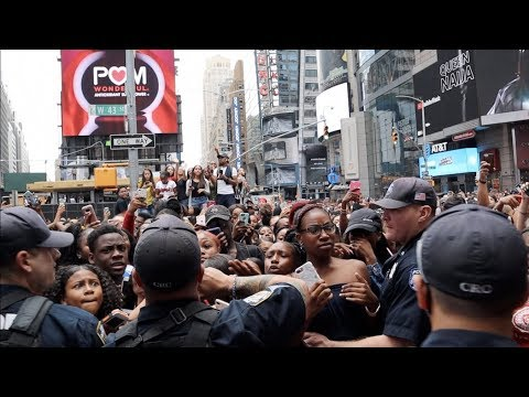 SPICY GANG SHUTS DOWN TIMES SQUARE..😱