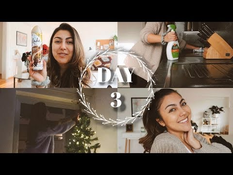 CHRISTMAS TREE, CLEAN WITH ME & MY 10 MINUTE MAKEUP   VLOGMAS