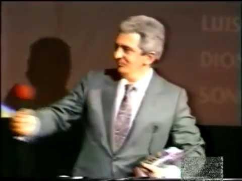 Rogelio Hernández dobla a Richard Herd en V