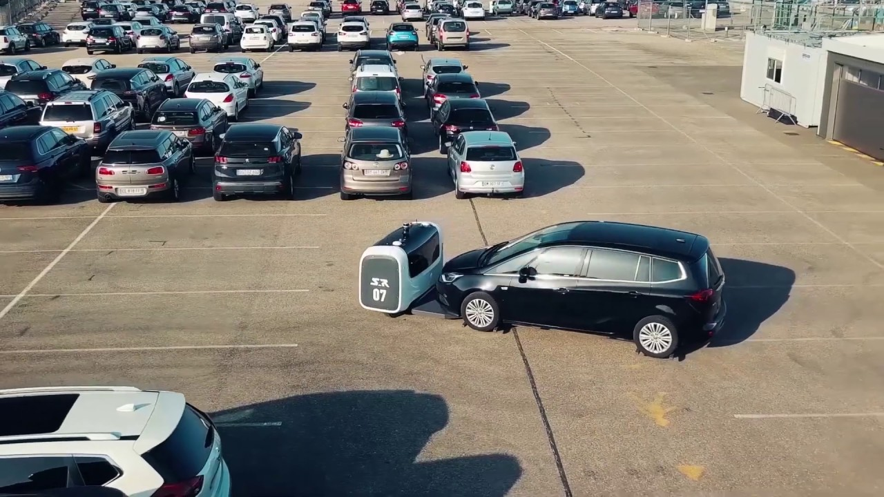 Stanley Robotics - World premiere: Stan reinvents parking at Lyon-Saint Exupéry airport