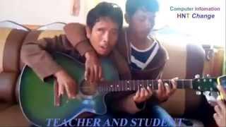 Cận cảnh Thầy giáo và học sinh cùng chơi guitar! Video Teacher and Student together play Guitar!