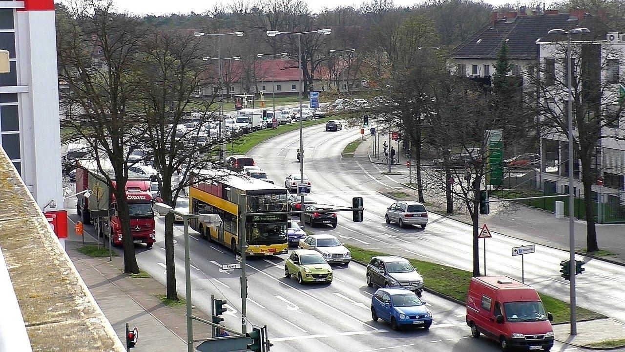 Verkehrschaos Am Kurt Schumacher Damm In Berlin Youtube