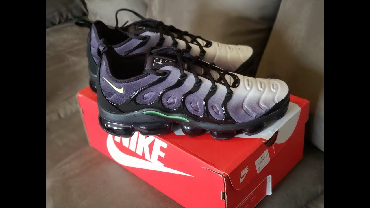 23a560d6bf8de Unboxing and Review of the Black Pink Blast Total Orange Rage Green VaporMax  Plus