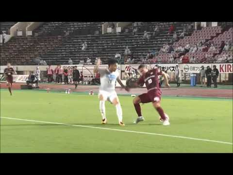 【公式】Pick upプレー動画:ルーカス ポドルスキ(神戸)が股抜きで相手を抜き去りシュートまで持ち込む!