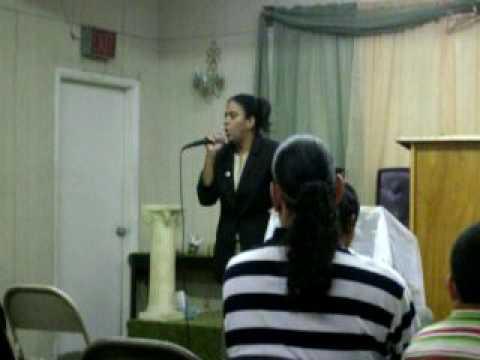 Pastora Nevea Torres predicando SANTIDAD!! Fuegoo