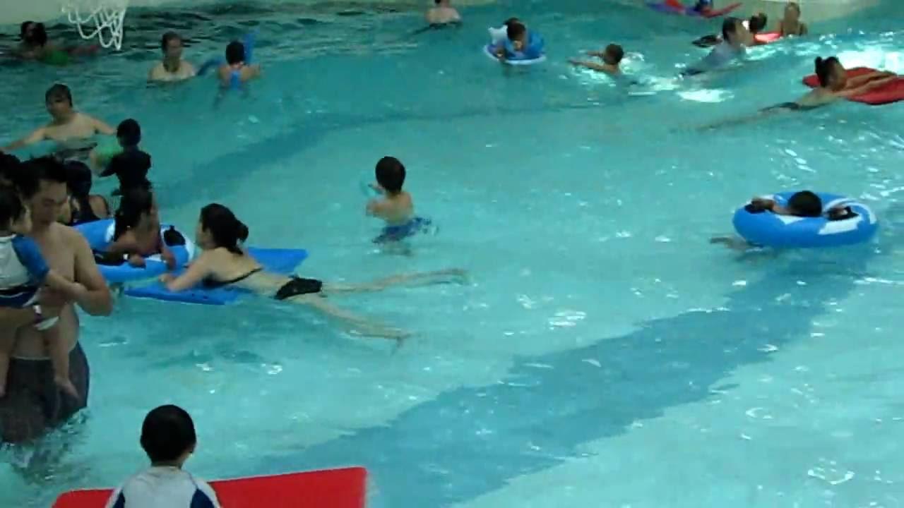 Kids In Pool Richmond Wave Pool Youtube