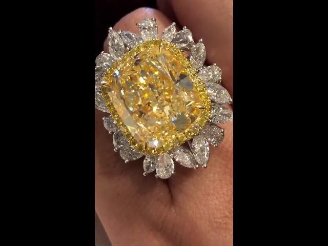 Amazing 30-carat yellow diamond ring by Beau Han Xu and Mbund