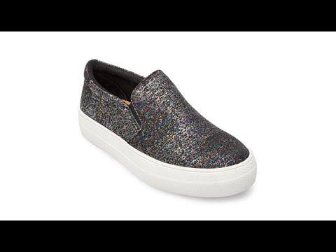 e72fbe96557 Steve Madden Gills SlipOn Sneaker - YouTube