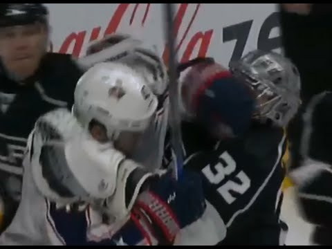 Jonathan Quick Goes After Hartnell Following Late Poke