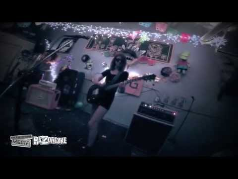 Colleen Green - Pay Attention (live at VLHS , 10/23/2015)