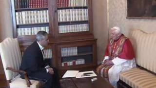 Pope receives new ambassador to the Holy See Miguel Diaz