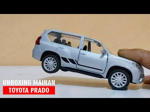unboxing-diecast-model-car-of-land-cruiser-toyota-prado