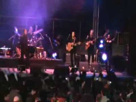Shakin' Stevens - Give Me Your Heart Tonight (live in Bucharest)