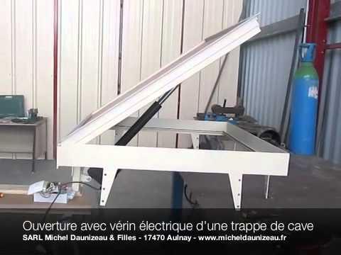 sarl michel daunizeau ouverture trappe de cave avec v rin lectrique youtube. Black Bedroom Furniture Sets. Home Design Ideas