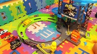 Race car with  track Bburago Трек с машинками Bburago и Супер Станция техобслуживания GoGears Обзор