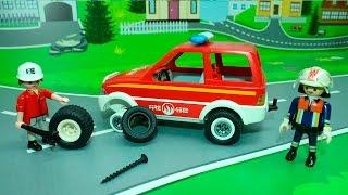 Видео с игрушечными машинками   Гвоздь на дороге