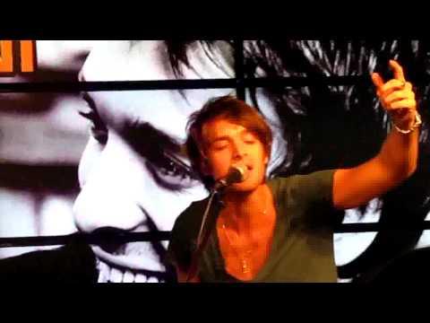 Paolo Nutini - Growing up beside you @Showcase in Hamburg (11.06.10)